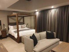 Villa-19-evening-Main-Bedroom-(002).jpg